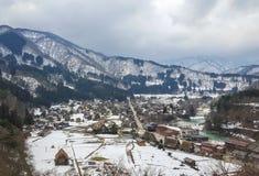 Антиквариат деревни на сезоне зимы Стоковое Изображение RF