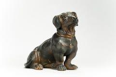 Антиквариат модели собаки таксы изолированный на белизне Стоковые Изображения RF