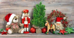 Антиквариат украшения рождества забавляется орнаменты плюшевого медвежонка Стоковые Фотографии RF