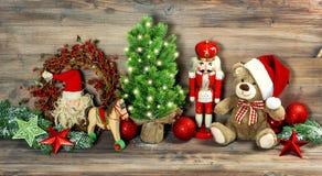 Антиквариат украшения рождества забавляется Щелкунчик плюшевого медвежонка Стоковые Фото