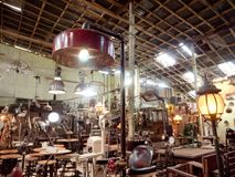 Антикварный магазин в Индонезии стоковая фотография rf