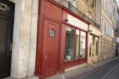 Антикварный магазин улицы в улице Парижа Бордо с пустым пустым местом рамки стоковое фото rf