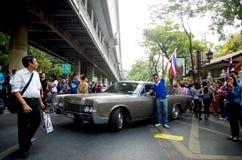 Антипровительственные протестующие для того чтобы блокировать королевскую тайскую полицию Стоковые Изображения