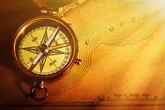 античная латунная карта компаса старые излишек США Стоковая Фотография RF