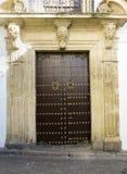 античная дверь деревянная Стоковые Изображения