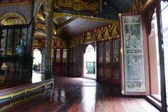 античная дверь Стоковые Фото