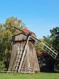 античная ветрянка деревянная Стоковые Изображения RF