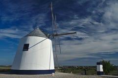 Античная ветрянка na górze холма Стоковое фото RF
