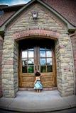 античная дверь ребенка Стоковые Изображения RF