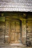 Античная деревянная дверь Стоковые Изображения RF