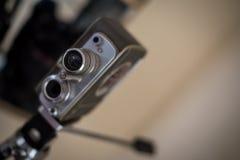 Античная камера на книжной полке Стоковое Фото