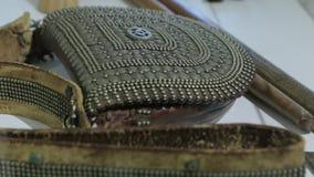 Античная кожаная сумка акции видеоматериалы