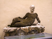 Античная статуя Silenus дальше через del Babuino, Рим, Италию Стоковые Изображения