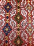 Античная японская вышивка с красивыми симметричными картинами стоковое фото