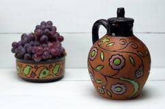 античное вино кувшина виноградин Стоковые Фотографии RF