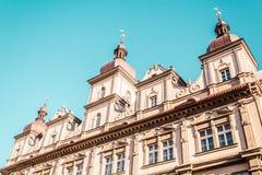 Античное здание в Праге, чехии стоковое фото rf