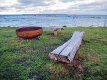 Античное литое железо и прибалтийская береговая линия стоковые фотографии rf