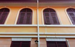 Античные деревянные окна стоковая фотография rf