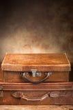 Античные чемоданы стоковые изображения rf
