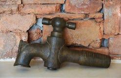 Античный латунный faucet Стоковые Фото
