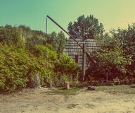 Античный деревенский деревянный колодец Стоковое Фото
