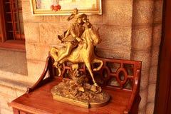 Античный идол всадника лошади металла в дворце Бангалора Стоковое Изображение RF