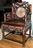 Античный китайский стул трона стоковые фотографии rf