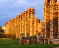 Античный римский мост-водовод на Мериде Испания Стоковое Изображение RF