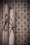 Античный средневековый пергамент на плетеное деревянном Стоковые Фото