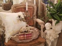 Античный стул и винтажные детали показали стоковая фотография