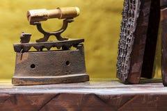 античный утюг Стоковые Фотографии RF