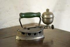 античный утюг benzine Стоковое Фото