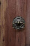 античный knocker двери Стоковая Фотография RF