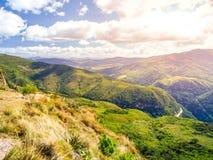 Андийский ландшафт вокруг деревни Samaipata, Боливии, Южной Америки стоковые фото