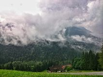 ландшафта группы alps muttekopf гор лужков австрийского красивейшего зеленого lechtal, котор нужно отстать Стоковая Фотография RF