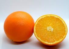 Апельсин против белой предпосылки Стоковые Фото
