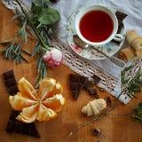 Апельсины времени чая и шоколад 7 Стоковые Изображения