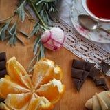 Апельсины времени чая и шоколад 5 Стоковые Фотографии RF