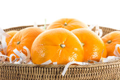 Апельсины в корзине. Стоковые Изображения RF