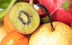 Апельсины и груши кивиа pitaya банана Стоковое Изображение