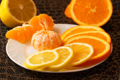 Апельсины, мандарин и лимон стоковые фотографии rf