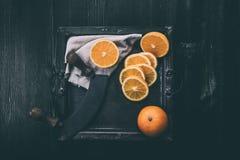 Апельсины на подносе Стоковое Изображение