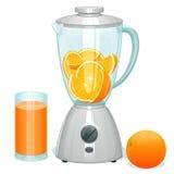 апельсины свежего отрезка зрелые в стеклянном шаре blender Стоковое фото RF