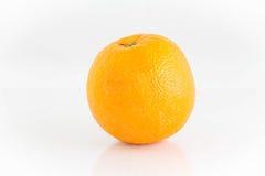 Апельсин изолированный на белизне Стоковые Изображения RF