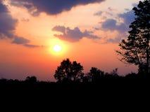 Апельсин неба захода солнца красивый Таиланд Стоковые Изображения RF