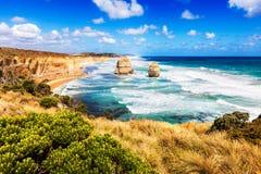 12 апостолов в море бирюзы вдоль большой дороги океана в Austr Стоковые Изображения