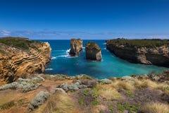 12 апостолов и голубого небо в солнечном дне, большая дорога океана, Австралия Стоковые Фотографии RF