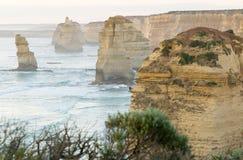 12 апостолов на заходе солнца вдоль большой дороги океана, Виктория - Стоковое Изображение