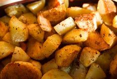 Зажаренные в духовке картошки Стоковое Фото