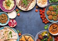 Арабская предпосылка блюд стоковые фото